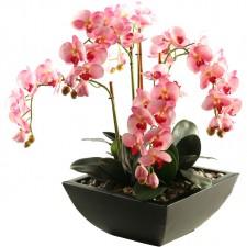 Какво е важно да знаем за поддръжката на изкуствените цветя?